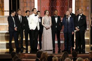 Všetkých sedem nominácií na Zlatých glóbusoch premenil muzikál La La Land.