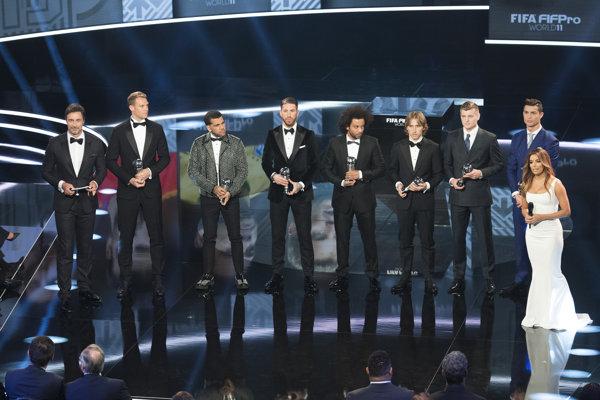 Jedenástka roka 2016. Hráči FC Barcelona sa večierku nezúčastnili.