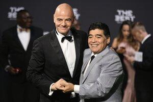 Infantino a Maradona.