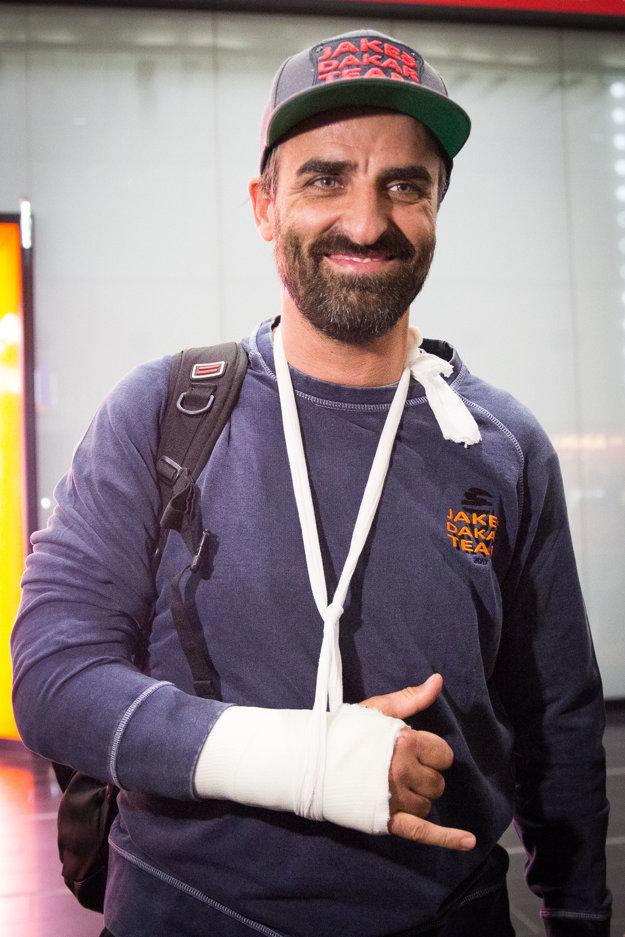 Ivan Jakeš po prílete na Letisko Viedeň-Schwechat.