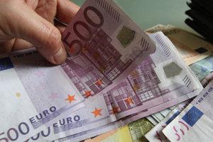 Podvedená dôchodkyňa prišla o tisíce eur.