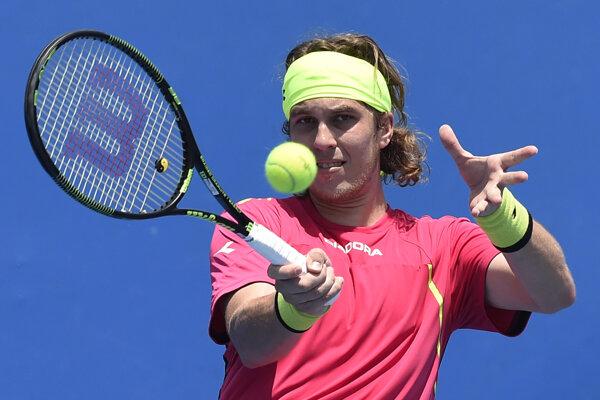 Už len Lukáš Lacko má zo Slovákov šancu doplniť v pavúku hlavnej súťaže na Australian Open Martina Kližana.