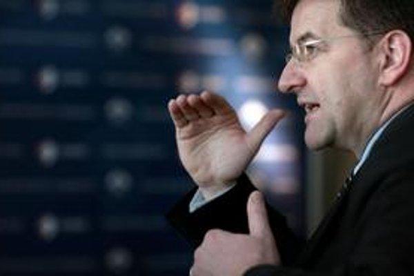 Šéfka európskej diplomacie Catherine Ashtonová si vybrala Miroslava Lajčáka za svojho riaditeľa pre Európu, Rusko aj Strednú Áziu. Vo vláde Roberta Fica bol ministrom zahraničných vecí. Bol vysokým predstaviteľom pre Bosnu a Hercegovinu, veľvyslancom v Sr