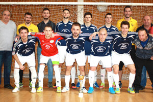 Futbalisti z Podlužian si zimnú prestávku spestrili turnajmi ObFZ Levice.