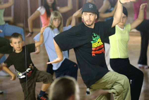 Laci Strike poteší svojím tancom fanúšikov v rodnej Handlovej.
