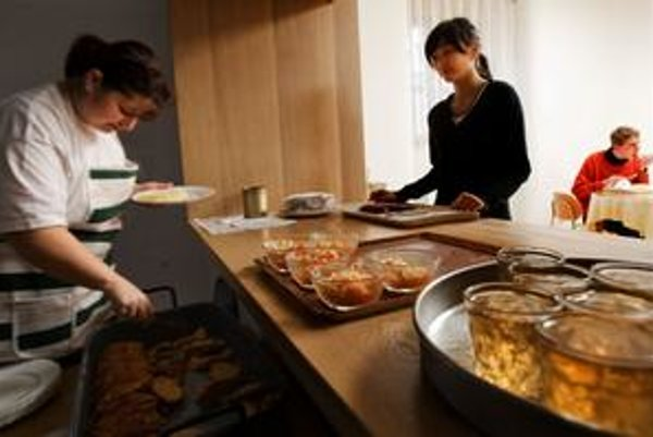 Potraviny na obedy pre žiakov v Košickom kraji mala dodávať schránková firma z Bratislavy.