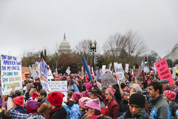 Dav protestujúcich vo Washingtone.