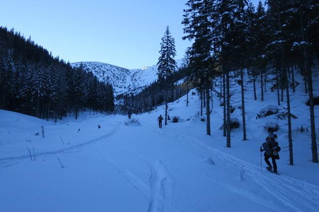 Snehu bolo dosť, aj prašanu. Najmä na východných svahoch.