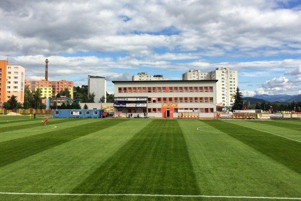 Päťdesiatpäťročný štadión MFK Tatran sa dočká rekonštrukcie. Počítala sa sdobudovaním chýbajúcej infraštruktúry pre športovcov aj divákov.