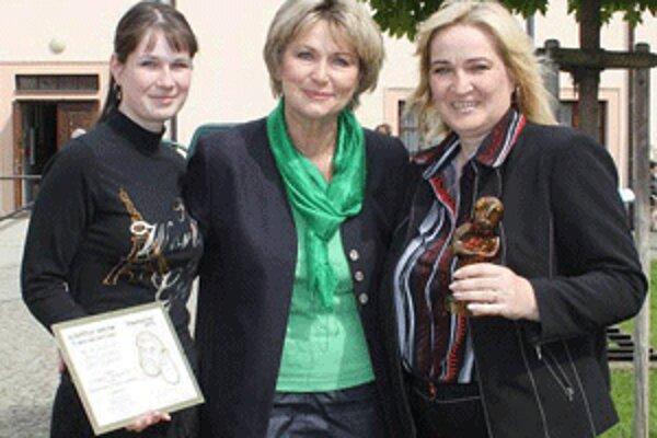 Filmárky z Prievidze potešilo, že sa na festivale stretli s herečkou Eliškou Balzerovou.