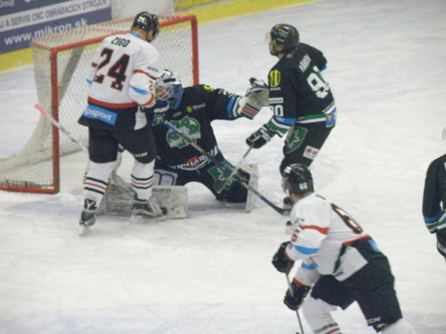 Tomáš Zigo (24), ktorý hráva aj KHL za Slovan Bratislava sa výrazne pričinil o zvrat gólom a asistenciou