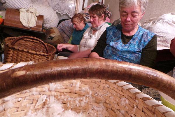 Páranie peria v Oravskom Bielom Potoku.