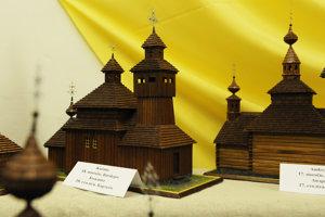 Maketa dreveného chrámu v Kožanoch.