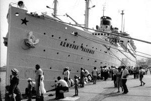 Loď Admiral Nachimov.