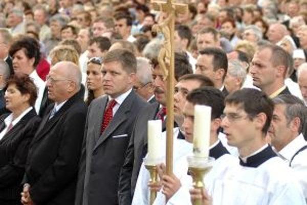 Premiér Robert Fico si počas svojho vládnutia nedal ujsť ani púť v Šaštíne.