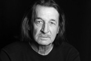 Vasiľ Rusiňák. Patrí knajlepším hercom Divadla Alexandra Duchnoviča