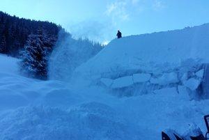 Táto zima poriadne potrápila aj pracovníkov skanzenu vo Vychylovke.