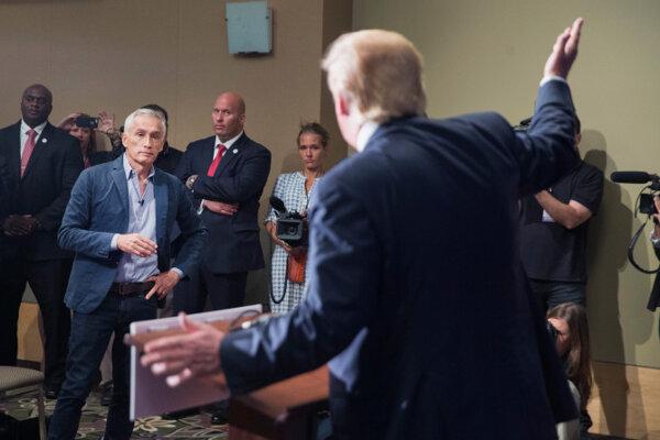 Jorge Ramos neútočil, prezident naňho áno.
