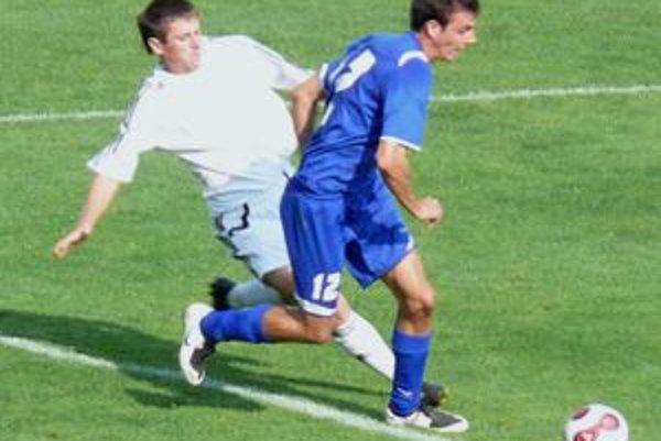 Momentálne nie je jasné, kedy fanúšikovia futbalu opäť uvidia v Prievidzi seniorský majstrovský zápas.
