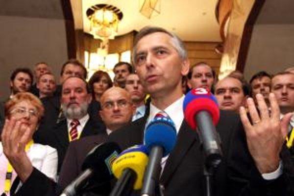 Nový predseda KDH Ján Figeľ.
