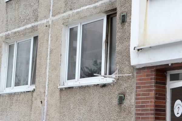 Požiar zasiahol prízemný byt.