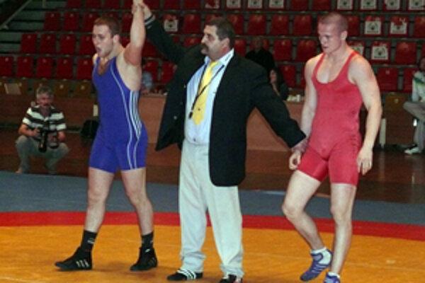 Ján Púčik (vpravo) prehral finále hmotnostnej kategórie do 84 kg s Bratislavčanom Dubom.