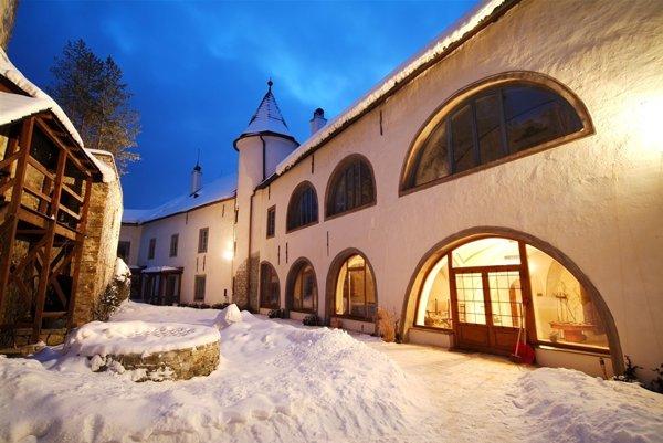 Nádvorie hradu v Liptovskom Hrádku.