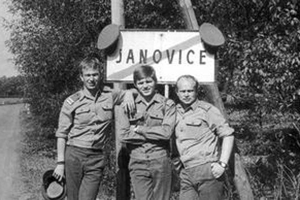 Robert Fico počas vojenskej služby v Janoviciach.