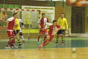 Za loptou vyštartoval Patrik Horáček, ktorý prispel jedným gólom k dvojcifernému víťazstvu MFK TW nad Žilinou.