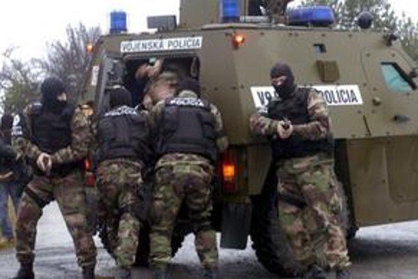 Z vojenskej polície unikli adresy, kde jej príslušníci bývajú, aj ich rodné čísla.