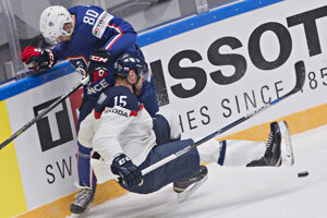 Hokejisti výberu Slovenska ťahali v súboji s Francúzmi za kratší koniec.