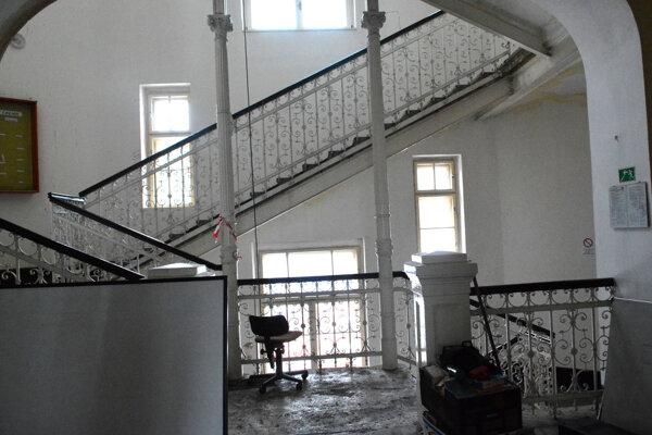 Interiér budovy. Ďalším krokom bude vypracovanie projektovej dokumentácie a rekonštrukčné práce.