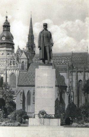 Socha M. R. Štefánika.