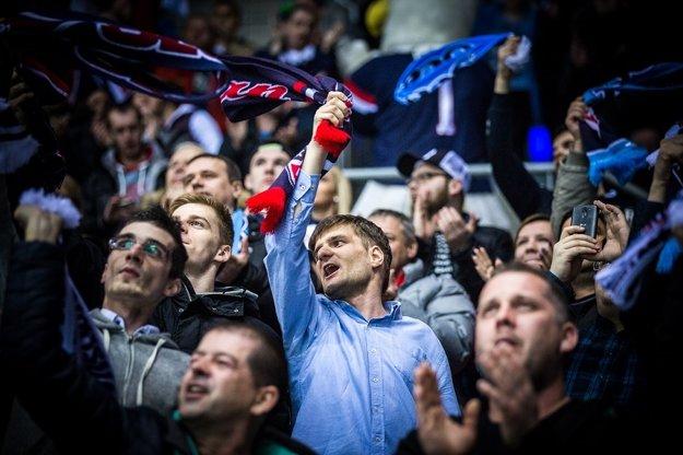 Fanúšikovia Slovana vytvorili na každom zápase skvelú atmosféru.