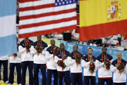 Niektorí pri jej počúvaní aj plačú. Nie vždy ale organizátori zahrali športovcom správnu hymnu.