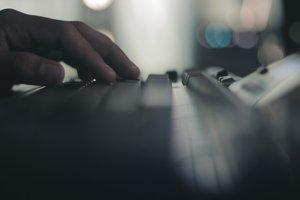 Izrael v posledných dňoch odvrátil kybernetické útoky na 120 osôb a inštitúcií