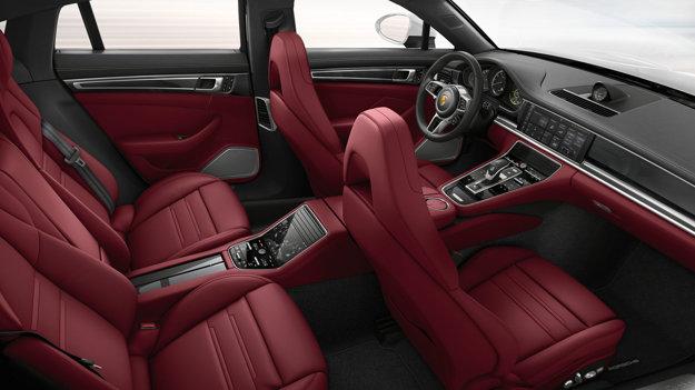 Porsche Panamera Turbo S E-Hybrid sa začne predávať už v júli