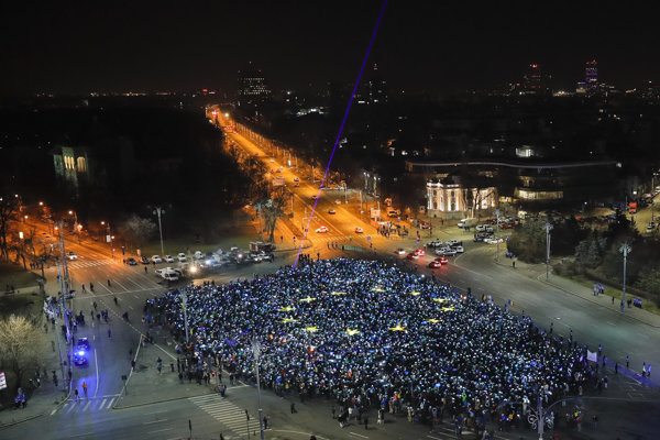 Protestné zhromaždenie v Bukurešti.