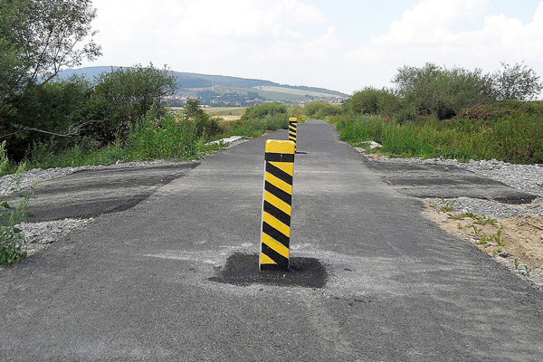 Na prekážky treba vopred upozorniť značením.