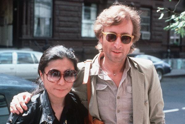 Yoko Ono spolu s Johnom Lennonom.