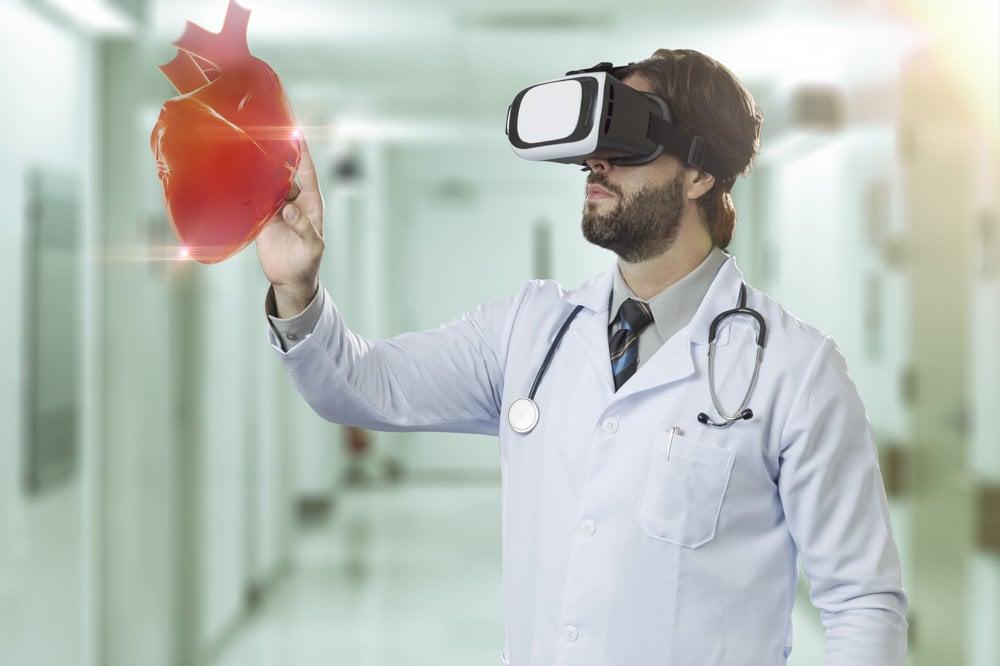 Virtuálna realita je užitočná aj pre chirurgov, vedia si v nej prezrieť všetky detaily orgánov na základe 3D skenov.