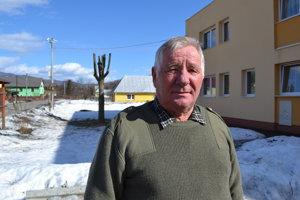 Peter Fedič. Poľovník hovorí, že vlky túto zimu strhli veľké množstvo zveri.