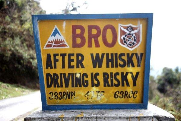 """""""Po whisky je šoférovanie riskantné."""""""