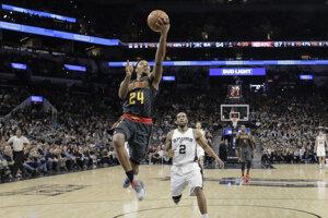 Basketbalisti Atlanty nevyhrali v NBA na palubovke San Antonia od 15. februára 1997 a toto konštatovanie platí aj po pondelňajšom zápase v AT&T Center.