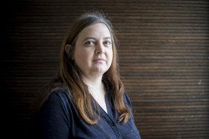 Eva Škovranková pôsobí na Katedre všeobecných dejín Filozofickej fakulty Univerzity Komenského v Bratislave.