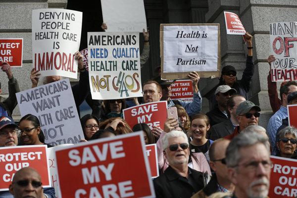 Otázka zdravotnej starostlivosti rozdeľuje americkú spoločnosť.