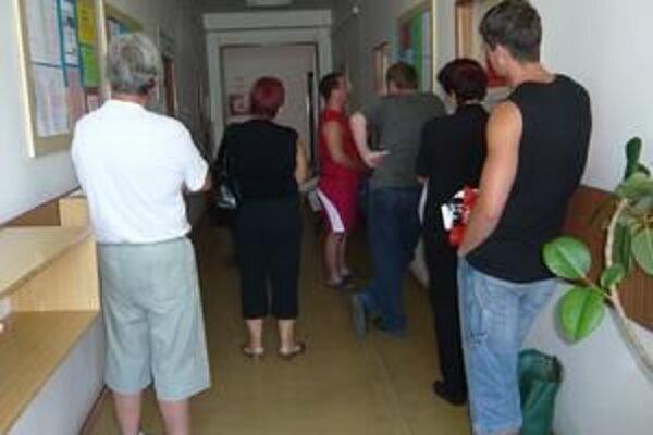 Očakávaná miera nezamestnanosti v Prievidzskom okrese by mala byť koncom roka dvanásť percent.
