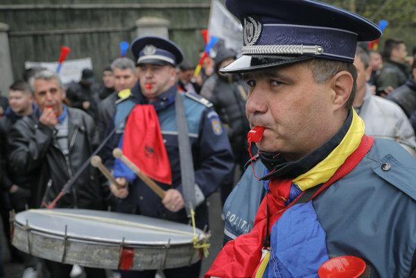 Rumunskí policajti chcú vyššie platy.