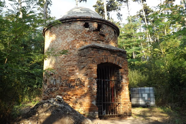 Vežu na Borine dalo mesto zrekonštruovať, finančne prispela aj župa.