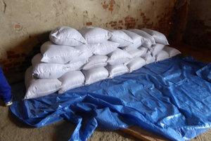 Colníci odhalili na Orave nelegálnych spracovateľov tabaku.